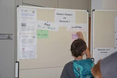 Jeder dritte Mainzer Konfi wünscht sich ein Handy-Verbot an Schulen